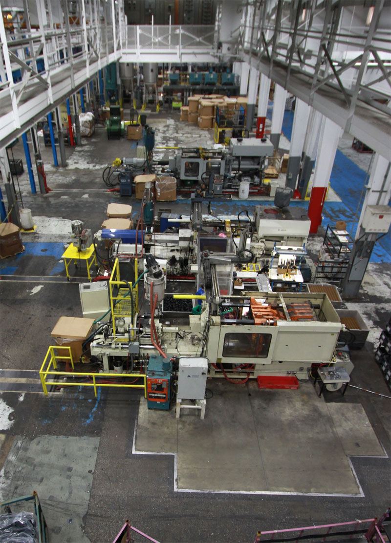 multiple-injection-molding-machines